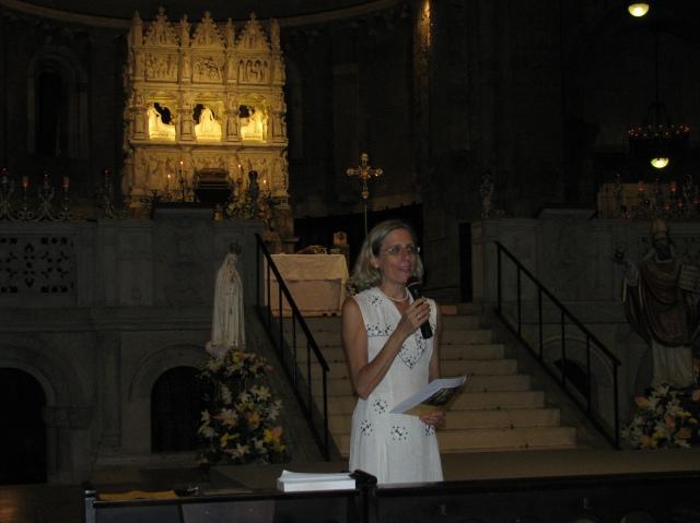 Maria Cecilia Farina spiega al pubblico il programma del concerto in onore di sant'Agostino e di santa Monica