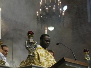 Fra' Abel proclama il Vangelo nel corso della celebrazione eucaristica