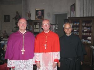 Il vescovo di Pavia monsignor Giovanni Giudici, il cardinale Claudio Hummes, il priore generale padre Robert Prevost