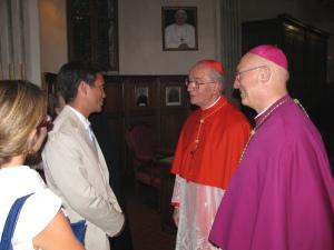 Il sindaco di Pavia Alessandro Cattaneo, il cardinale Claudio Hummes, il vescovo di Pavia Giovanni Giudici