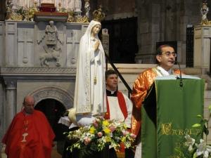 Monsignor Mario Delpini, vescovo ausiliare di Milano, durante l'omelia