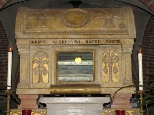 Le reliquie di San Severino Boezio nella cripta della Basilica di San Pietro in Ciel d'Oro