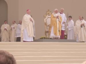 Celebrazione eucaristica presieduta dal Santo Padre a Pavia. Fra i concelebranti il vescovo di Pavia monsignor Giudici