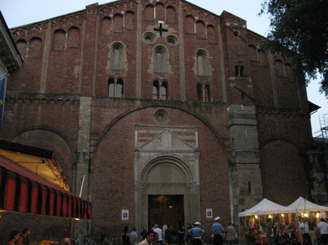 Basilica di San Pietro in Ciel d'Oro in occasione della Festa di Santa Rita 2011