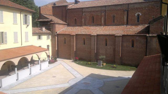 Il nuovo chiostro della Basilica di San Pietro in Ciel d'Oro, foto di Padre Giovanni Lenzi