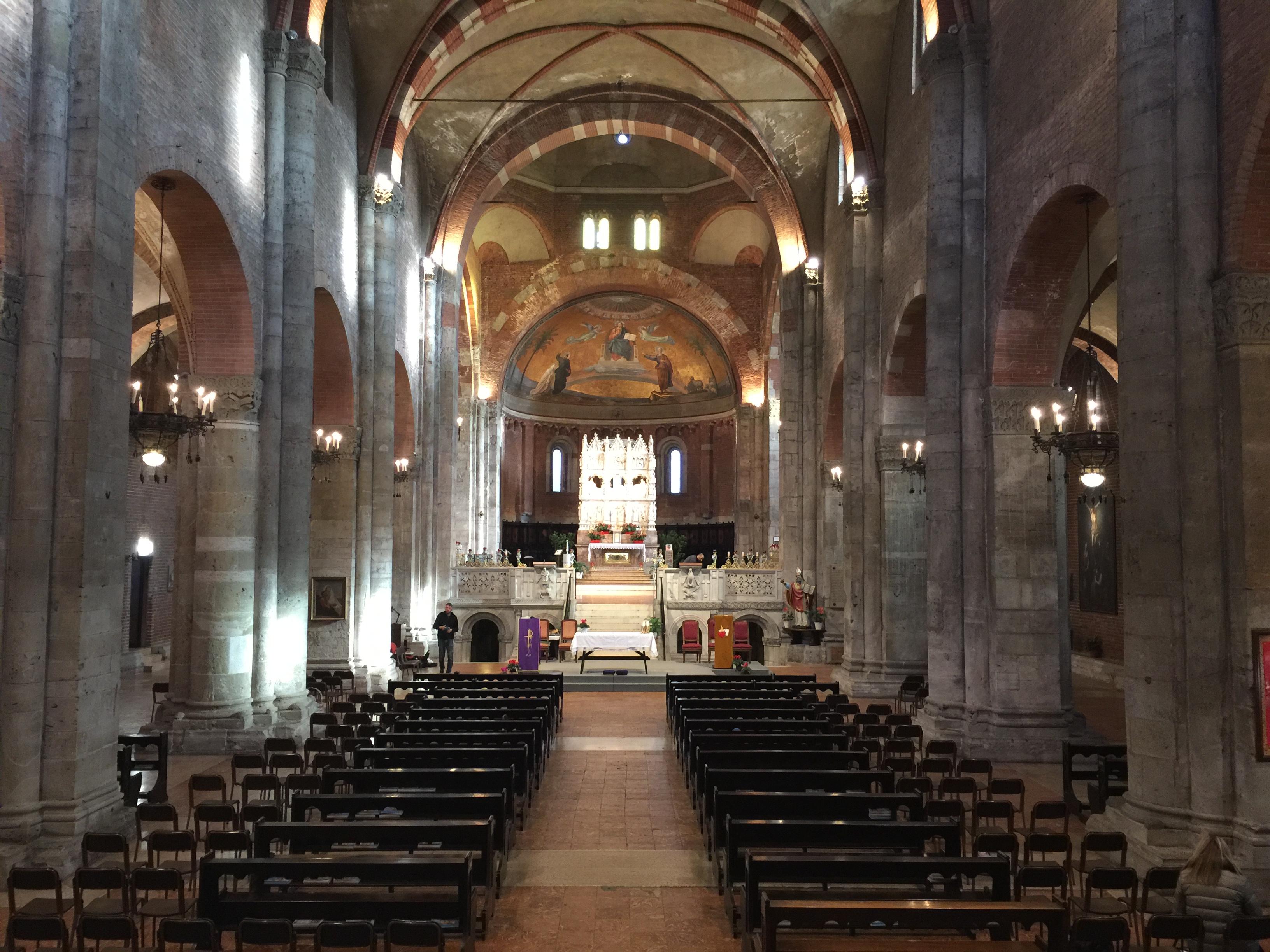 La tomba di sant 39 agostino pavia basilica di san pietro for Interno j